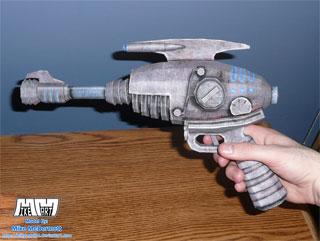 fallout3-alien-blaster-papercraft.jpg